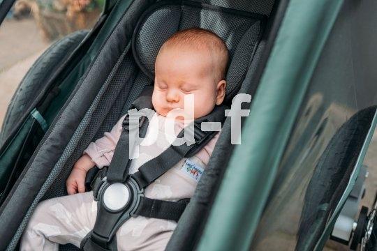Traumhafte Passform, aber auch hohe Sicherheit bietet dieser Babysitz von Anhängerspezialist Croozer.