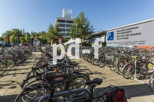 Dort, wo gut gemachte Fahrradabstellanlagen errichtet werden, ist die Nachfrage groß, denn gerade die Besitzer hochwertiger Räder wollen eine sichere Parkmöglichkeit.