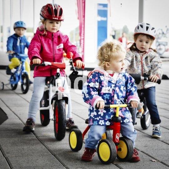 Laufräder und Fahrräder für alle Altersgruppen.