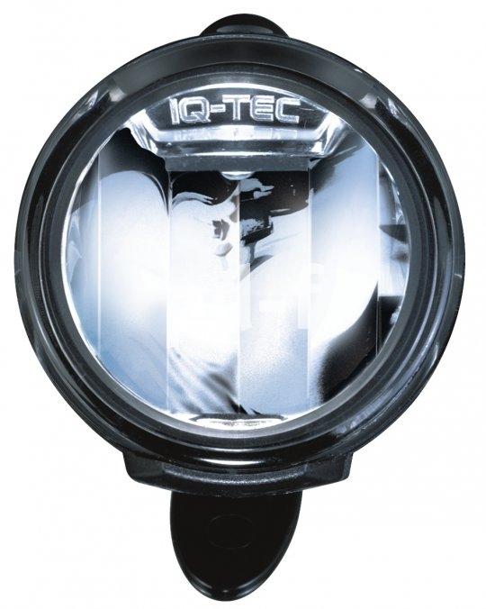 Kein Leuchtmittel zu sehen: Beim superhellen LED-Strahler sitzt die Diode vor dem Reflektor und scheint in diesen hinein statt aus ihm heraus.