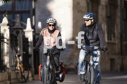 Auch im Altag sind Packtaschen am Fahrrad gut zu gebrauchen. Immer mehr Autos werden heute durch belast- und beladbare E-Bikes ersetzt.