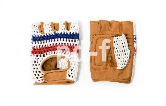 Oben Strick, unten Leder, rundum schick: Retro-Handschuhe mit tobaktuellen Qualitäten von Hersteller Tousand.
