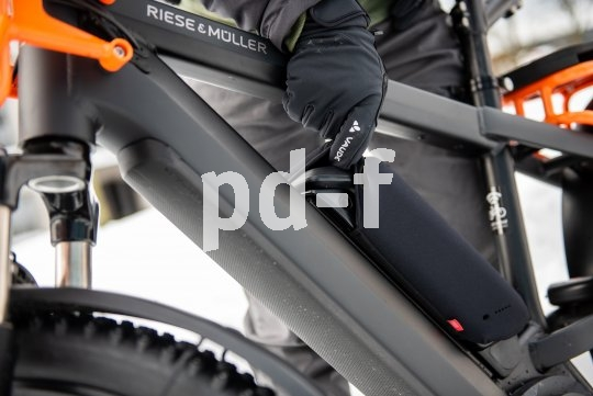 Ein Akku-Cover wie von Fahrer Berlin schützt den Akku und hält ihn auch bei Minusgraden warm: für lange Haltbarkeit und maximale Leistung.