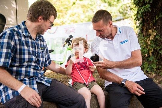 Kindern das Fahrrad fahren beizubringen ist für Jens Voigt besonders wichtig.