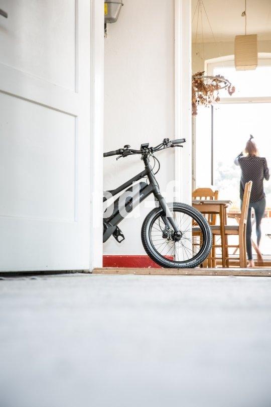 Kompakte Pedelecs mit 20- oder 24-Zoll-Laufrädern eignen sich perfekt für die Nutzung im Alltag. Sie sind flott und wendig, dabei sind sie vergleichsweise leicht und lassen sich gut im Keller oder in der Wohnung unterstellen.