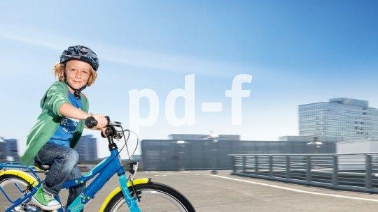 Auch im städtischen Umfeld sollten Eltern dafür sorgen, dass ihre Kinder oft genug aufs Rad kommen und im sicheren Rahmen Erfahrungen sammeln können.