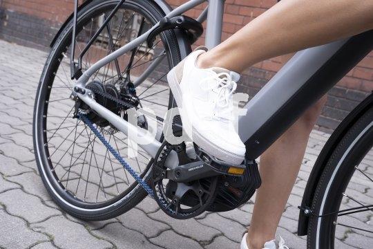 Der Marktführer bei Riemenantrieben für das Fahrrad, der Hersteller Gates, bietet mit der CDC-Reihe Riemen und Riemenscheiben für Mittelklasse-E-Bikes an. Sie sind mit der CDX-Oberklasse kompatibel.