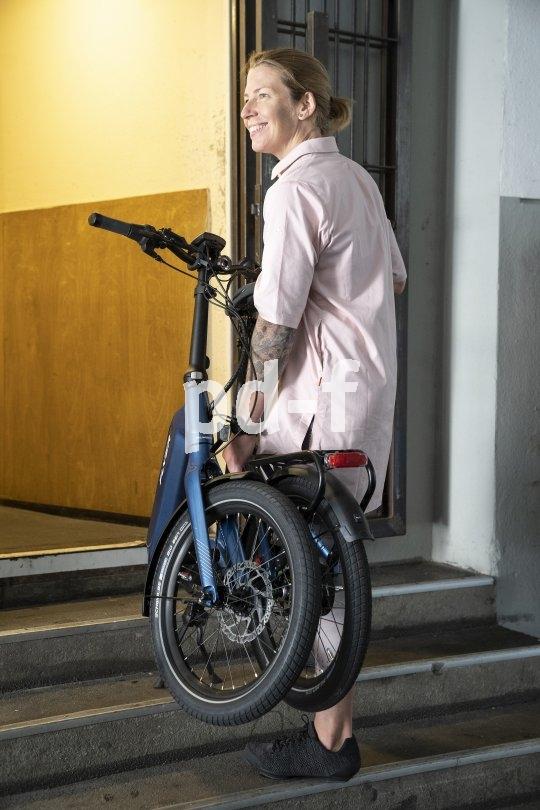 """Faltbar, wendig und elektrisch - das ab 2020 erhältliche """"Upstreet 2"""" des schweizerischen E-Bike-Spezialisten Flyer. Es findet überall Platz und lässt sich gut transportieren."""