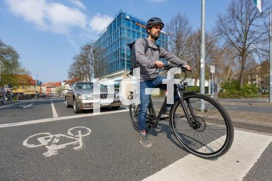 Sichtbarkeit und ein klares Raumangebot sind die beste Gesundheitsfürsorge für Radfahrer im urbanen Umfeld.