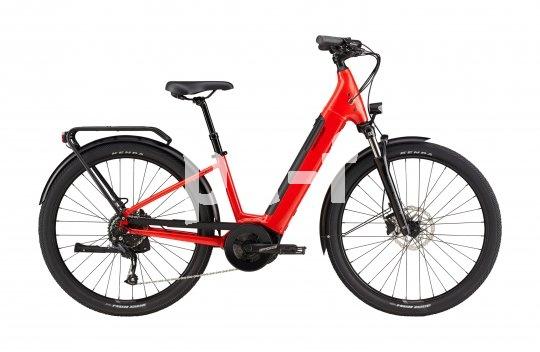 Mit aufrechter Sitzposition und tiefem Durchstieg sprechen E-Bike-Modelle wie dieses auch nicht explizit sportlich orientierte Menschen an.