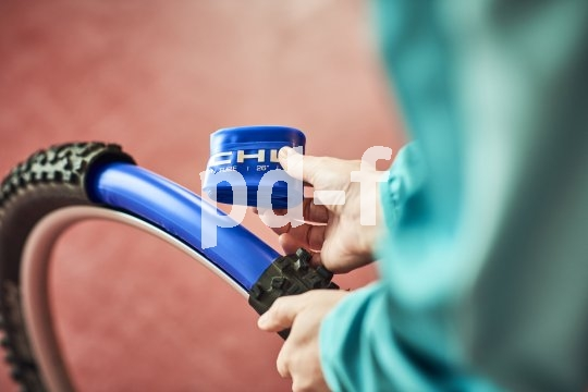 Ausschließlich für Fahrräder mit Scheibenbremsen ist dieser superleichte Schlauch geeignet.