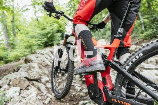 """Fahrspaß und Reserven satt, und zwar bergauf wie bergab: Das war die Vorgabe für die Konstruktion des E-Enduro-Bikes """"Uproc 6"""" aus dem Hause Flyer."""