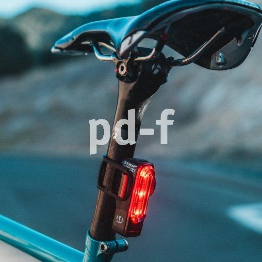Dieser Akku-Rückstrahler von Hersteller Lezyne hat eine Bremslichtfunktion. Dabei lässt ein Sensor die LEDs heller leuchten, wenn die Geschwindigkeit verringert wird.