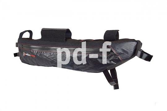 Rahmentaschen fixieren das Gepäck wackelfrei und nahe dem Schwerpunkt. So machen sie das Fahren sicherer und erlauben auch Touren in unebenes Gelände.