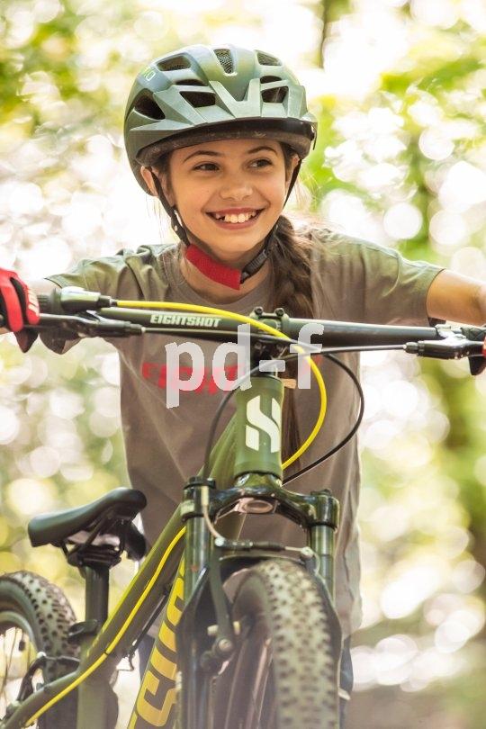 Ein gutes, passendes Fahrrad gehört zu den Dingen, die ein Kind in seiner Entwicklung wirklich weiterbringen. Und ihm dazu noch richtig Spaß machen!