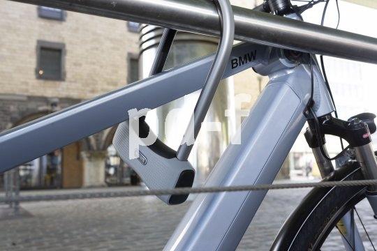 Je edler das Fahrrad, desto wichtiger das Schloss - diese Weisheit hat seit Erfindung des Velos nichts von ihrer Gültigkeit verloren.