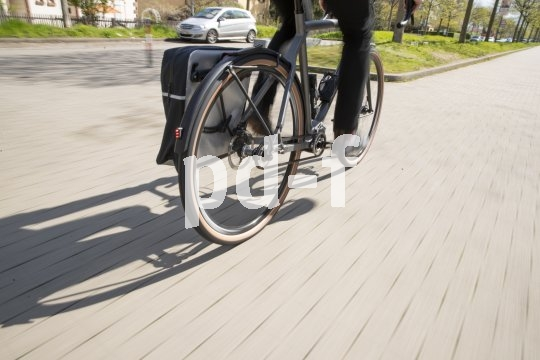 Dauerhaft und pflegeleicht, so lassen sich die wichtigsten Eigenschaften eines Riemenantriebs am Fahrrad zusammenfassen. Unnauffällig kommt auch noch dazu.