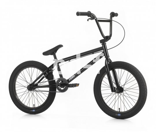 """Cool, aus Stahl und ideal für die ersten Jumps und Stunts: das BMX-Bike """"ST 1"""" von SIBMX. Sorgt für Jauchzer erst unter dem Baum und dann in der Halfpipe!"""