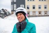 Moderne Helme für Fahrrad und E-Bike gibt es auch mit warmen Ohrenpolstern für den Winter.