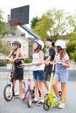 Cool sein ist wichtig für die Kids. Da müssen die Helme schon mitziehen, sonst bleibt eben doch die Kappe auf dem Kopf.