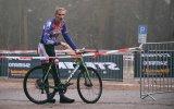 Ausgepumpt: Ein Fahrradrennen bei kalten Temperaturen geht an die Substanz.