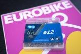"""Bei E-Bikes, vor allem solchen mit Mittelmotor, ist die Kette einer erhöhten Belastung ausgesetzt. Hersteller KMC bringt mit der """"e12 EPT"""" eine besonders verschleißresistente, rostschützend beschichtete Kette auf den Markt."""
