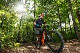 Wennes draußen wieder kälter, dunkler und feuchter wird, ist Bewegung an frischer Luft die beste Medizin. Mit dem Mountainbike öfter mal in den Wald statt zur Grippeschutzimpfung ist einen Gedanken wert.