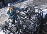 So ein E-Bike unterscheidet sich im Stand kaum von einem Fahrrad ohne Antriebsunterstützung. Wenn die Ampel grün wird aber schon...