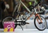 """Sportiv und für für die Kleinen: Das Kinderrad """"S-Pro 16"""" der Firma Puky richtet sich an Kinder ab vier Jahren und bringt einen Singlespeed-Antrieb mit Rücktritt sowie eine kindgerechte Ergonomie mit."""