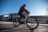 Ein Fahrsicherheitstraining beim Umstieg bzw. Neueinstieg auf ein E-Bike ist eine der besten Investitionen in die eigene Sicherheit. Mit Motor ist anders als ohne!
