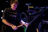 Spaß beim Schrauben? Aber sicher! Mit dem geeigneten Werkzeug lässt sich fast jede Aufgabe am Fahrrad lösen.