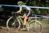 Ganz schön dreckig. Aber solange die Nabe oberhalb des Schlamms liegt ist noch nicht alles verloren. Cyclocross ist ein Sport für Kämpfernaturen.