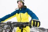 Ist man rundum warm verpackt, kann man die besonderen Reize einer winterlichen Mountainbike-Tour ohne Einschränkungen genießen.