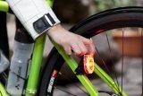 Ein Batterierücklicht ist nun an allen Fahrrädern erlaubt. Nur blinken darf es nicht.