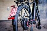 """Schweizer Qualität für schnelle Pendler: Das S-Pedelec """"Code 45"""" von MTB Cycletech hat seinen Motor in der Hinterradnabe. Im Zentrum sitzt eine Zentralgetriebe-Schaltung; für die Verbindung zum Hinterrad sorgt ein Zahnriemen."""