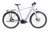 Markenimporteur Messingschlager und Motorenhersteller Brose konfigurieren gemeinsam E-Bike-Modelle für Firmen und Radvermieter, unter anderem dieses E-Trekkingrad mit in den Rahmen integriertem Akku und Brose-Mittelmotor, hier mit Herrenrahmen.