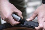 """US-Hersteller Stan´s Notubes bringt mit dem """"Dart"""" ein Reparaturset für schlauchlose Reifen auf den Markt. Dabei wird ein Flicken in den Reifen eingebracht, der das Loch von innen verschließt."""