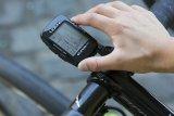 """Der GPS-Fahrradcomputer """"Super Pro GPS"""" des US-Herstellers Lezyne kann fast alles, was sein großer Bruder Mega XL auch kann - aber er ist eben deutlich kleiner. Für viele Nutzer ein Plus."""