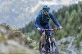 Die glatte Front dieses Offroad-Helms sorgt dafür, dass keinerlei Fremdkörper zum Kopf des Bikers vordringen können - sei es ein Insekt oder ein vom Vorausfahrenden hochgeschleuderter Stein.