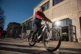Umstieg auf ein E-Bike? Lange nicht Fahrrad gefahren und nun mit einem E-Bike wieder einsteigen? Gute Idee! Aber dazu sollten Sie sich  auch ein Fahrsicherheitstraining gönnen: Mit Motor ist anders als ohne.