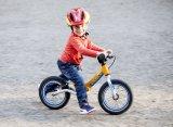 Superleicht, gefedert und elegant mit innenliegendem Bremszug: Dieses Laufrad gefällt auch echten Fans der Fahrradtechnik.