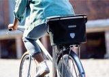 Für die kleine Einkaufstour zum Bäcker ist ein Fahrradkorb ideal. Taschenspezialist Ortlieb bietet spannende Lösungen an.