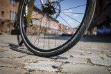 """Mit den neuen """"Airless""""-Reifen stellen Scherben kein Problem mehr für Radfahrer dar."""