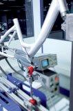 Mit solchen Prüfaufbauten werden Dauerhaltbarkeit und maximale Belastbarkeit von Fahrradrahmen getestet.
