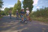Der Tretroller ist ein idealer Einstieg in die Mobilität auf zwei Rädern. Es ist leicht zu bedienen und verhält sich wie ein Fahrrad. Und cool ist er auch.