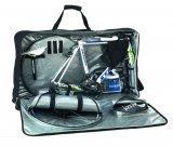 Einmal alles, und das schön übersichtlich. Mit einer Radtasche wie dieser von der Firma Stevens lässt sich das Sportgerät platzsparend und gut geschützt transportieren.