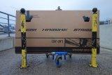 Für den Transport von Fahrrädern im Flugzeug eignen sich die großen Kartons, in denen die Radhersteller ihre Produkte verschicken. Einfach beim Radhändler in der Nähe fragen; der wird froh sein, eine der sperrigen Kisten loszuwerden.