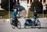 Ob Packtasche, Gepäck- oder Kinder-Anhänger: Fahrräder können viele alltägliche Transportaufgaben übernehmen - besonders für Fahrradpendler ein großes Plus.