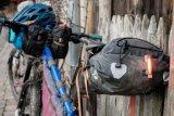 Was so eine Tasche am Sattel an Schmutz auffängt, trifft nicht den Rücken...