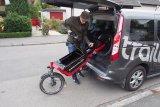 Lastenräder benötigen beim Transport im Auto deutlich mehr Platz als einfache Fahrräder. Zudem wiegen sie auch mehr, erst recht, wenn sie über eine elektrische Antriebsunterstüzung verfügen.